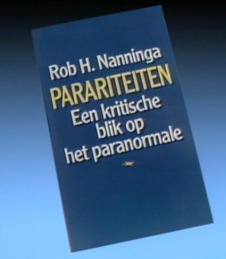 "Rob Nanninga's book ""Parariteiten"""